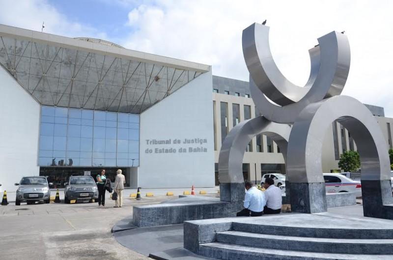 Justiça recebe denúncias contra prefeitos de Itacaré e Eunápolis