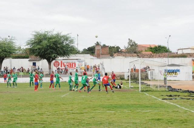 Seleção de Itaberaba goleia e passa para oitavas de final