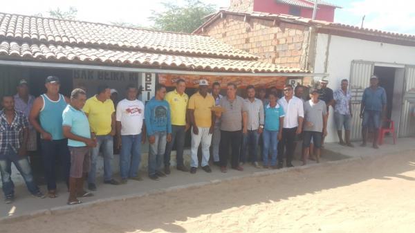 Em visita ao Assentamento Beira Rio, Prefeito ordena o inicio das obras de construção e calçamento da Praça do Coqueiro