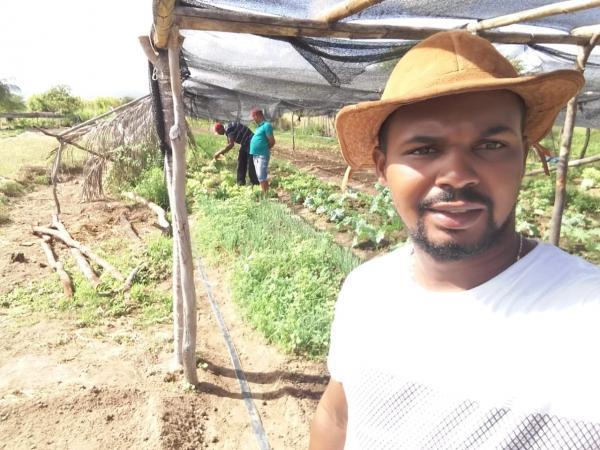 Boa Vista do Tupim:Assentamento Crispim recebe apoio para ampliar produção, em pleno carnaval.