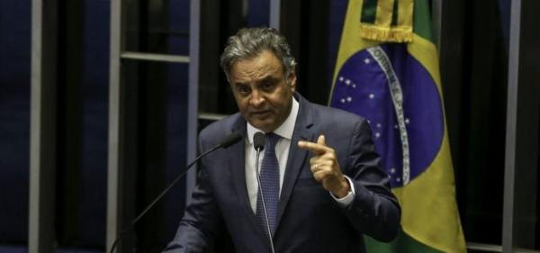 STF determina bloqueio de R$ 1,6 milhão em bens de Aécio Neves.