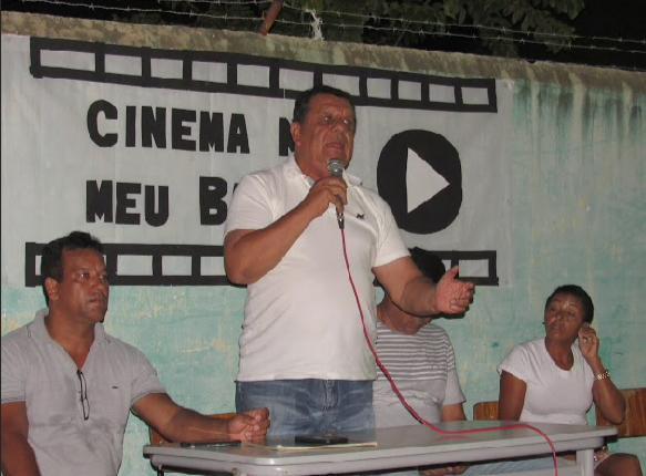 Prefeito de Boa Vista do Tupim se reúne com moradores sobre obra de calçamento da Juscelino Kubistchek