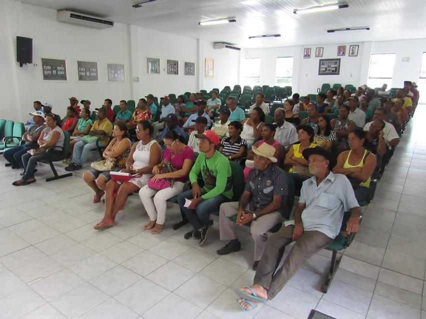 Léo Satélite reúne entidades para discutir a agricultura familiar e políticas públicas em Boa Vista do Tupim
