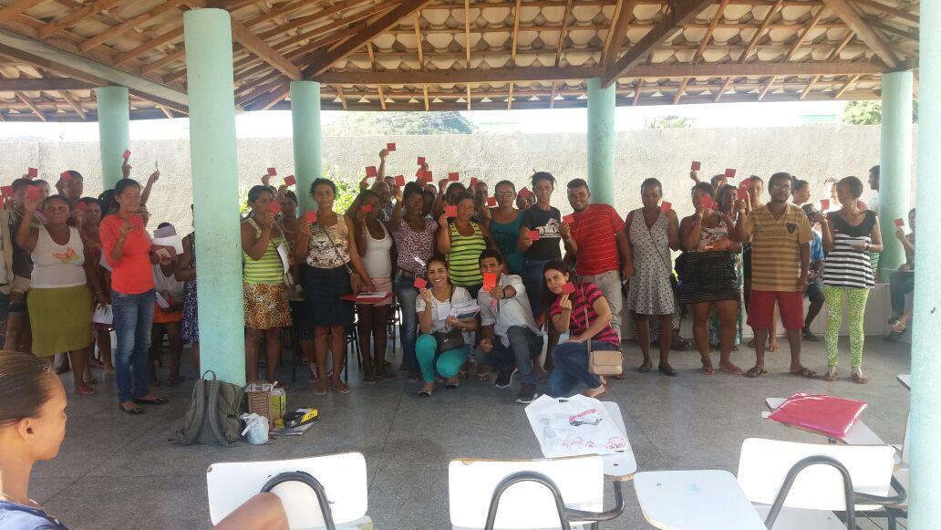 Centenas de pessoas de João Amaro atendem o chamado da Assistência Social