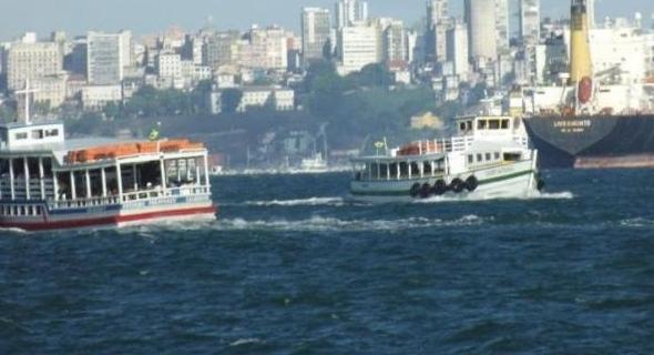 Lancha naufraga na travessia Mar Grande a Salvador com 147 pessoas a bordo