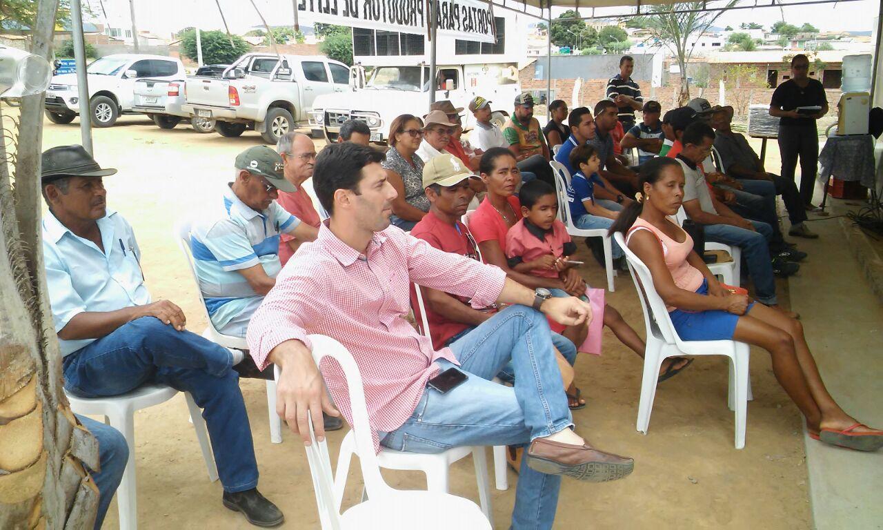 Secretaria de Agricultura e Coopertupim realiza palestra sobre o curso PRO SENAR LEITE