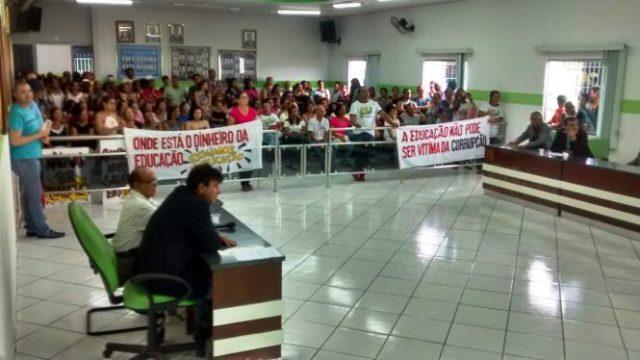 Câmara de Vereadores de Iaçu rejeita contas do ex-prefeito Nixon Duarte