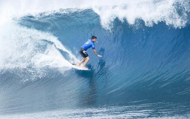 Gabriel Medina é o primeiro brasileiro a se tornar campeão mundial de surfe; feito aconteceu em 2014