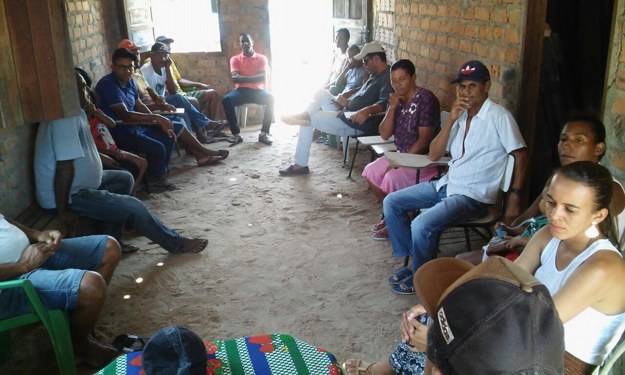 Prefeito e vereadores visitam comunidade do Crispim e garante a entrega de tratores para agricultura familiar