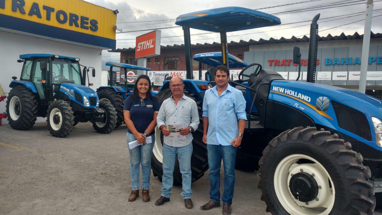Prefeitura de Boa Vista do Tupim compra trator para atender aos pequenos produtores rural do município