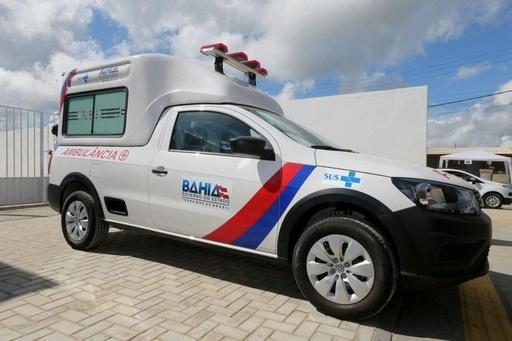 Dinho recebe nova ambulância para o transporte de pacientes de Boa Vista do Tupim
