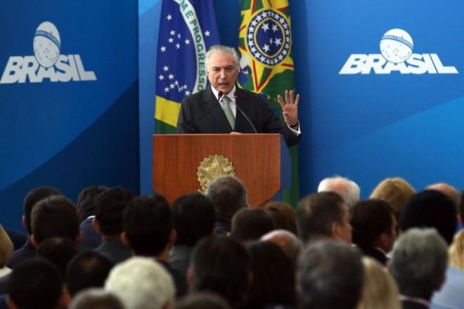 Temer sanciona projeto que libera R$ 2 bilhões para municípios