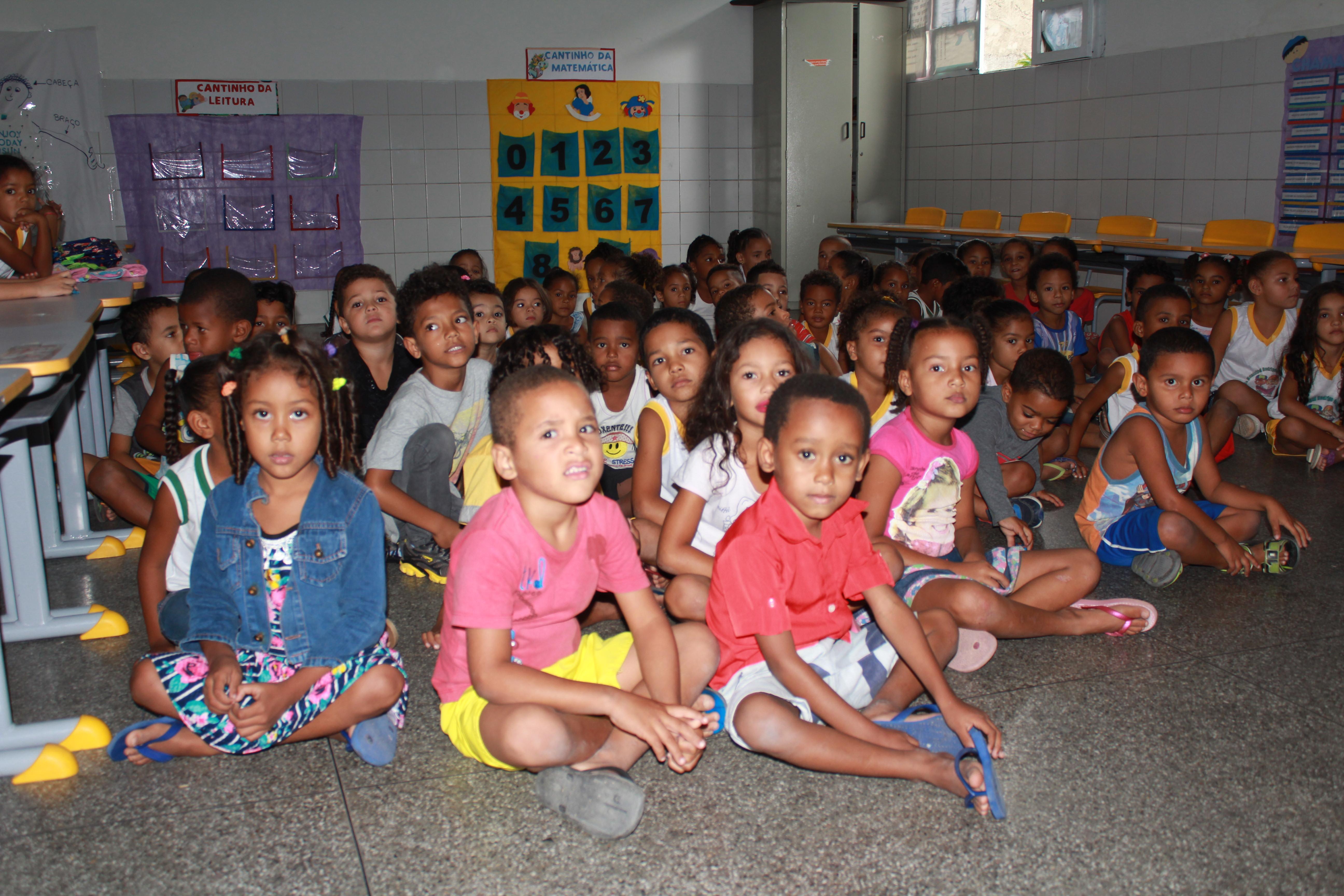 Sindicato dos professores de Iaçu atrasam calendário escolar com mais um dia de paralisação