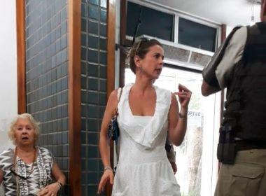 Esposa de Eduardo Cunha é hostilizada no Farol da Barra