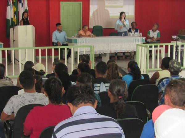 Prefeitura de Boa Vista do Tupim discute Plano Municipal de Saneamento Básico com população