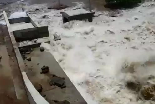 Barragem que intregra o sistema de transposição do São Francisco rompe